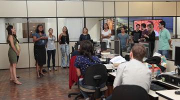 Equipes do programa Comviver e da Unifesp dão orientações para funcionários de setor da Prefeitura. #Pracegover