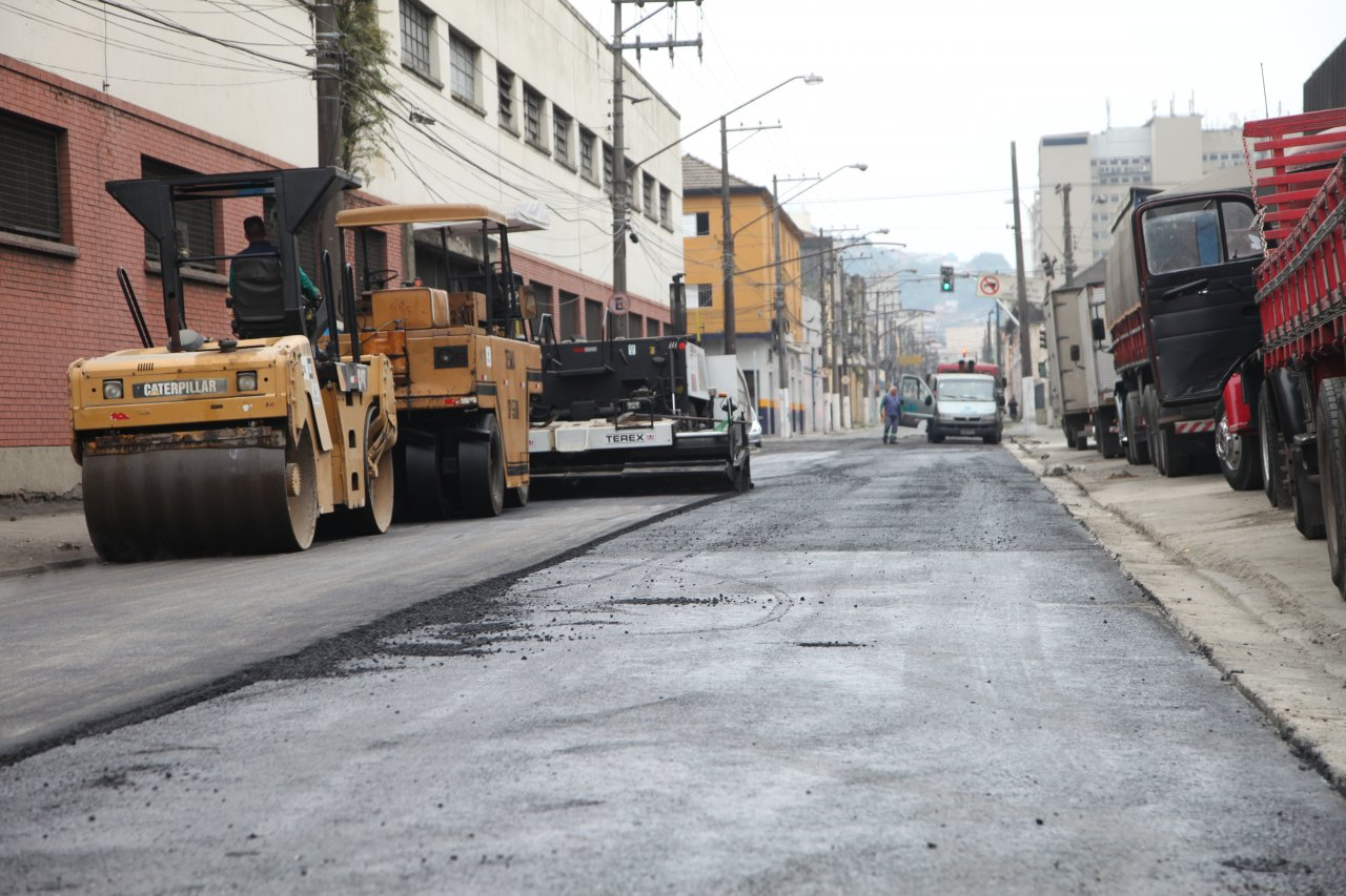07e69f8f3 Prefeitura pavimenta trecho da Rua General Câmara · Revitalização