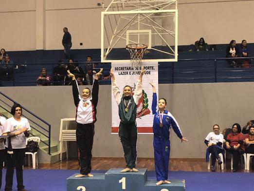 Esportes · Ginástica Rítmica · Jogos Regionais. Três atletas estão no pódio   pracegover 5f1c96a906ec5